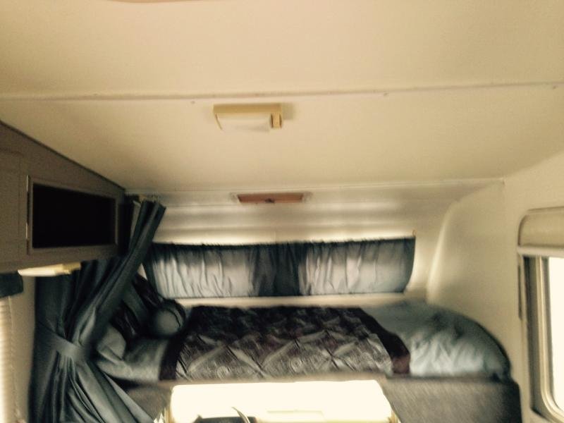 88 toyota Bed and Ceiling
