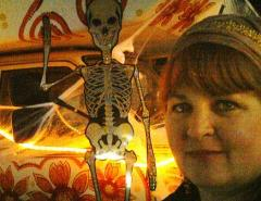sadie shanda and the skeleton halloween 2009.jpg